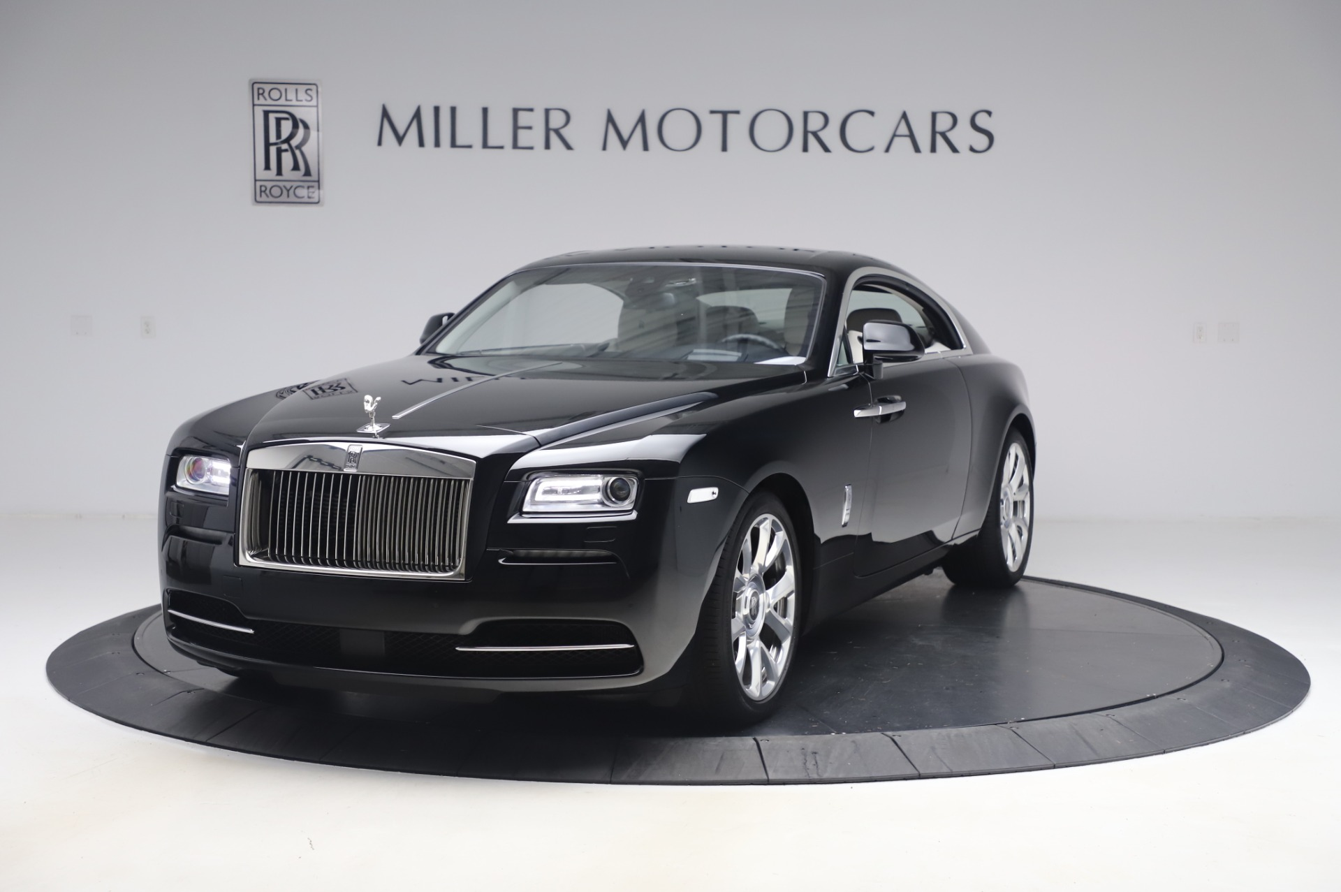 Used 2015 Rolls-Royce Wraith Base for sale $178,900 at Bentley Greenwich in Greenwich CT 06830 1