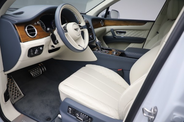 New 2020 Bentley Bentayga Hybrid for sale $226,695 at Bentley Greenwich in Greenwich CT 06830 18