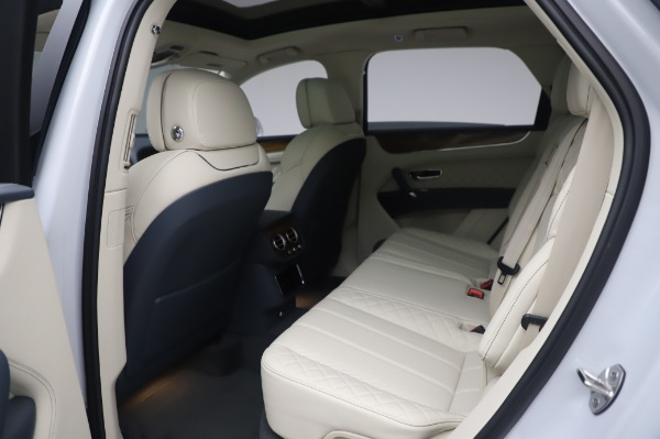 New 2020 Bentley Bentayga Hybrid for sale $226,695 at Bentley Greenwich in Greenwich CT 06830 22