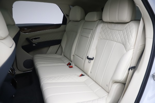 New 2020 Bentley Bentayga Hybrid for sale $226,695 at Bentley Greenwich in Greenwich CT 06830 24
