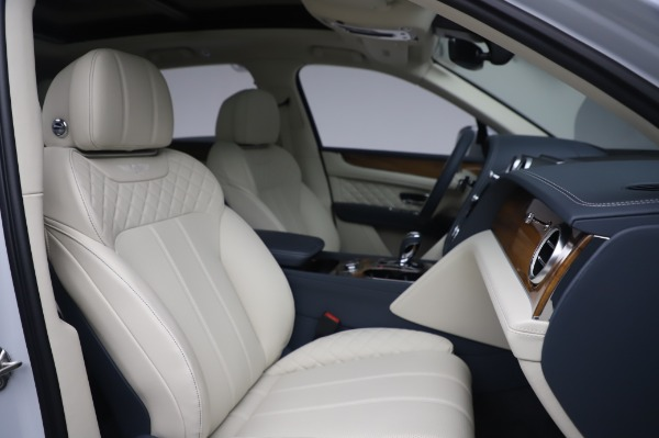 New 2020 Bentley Bentayga Hybrid for sale $226,695 at Bentley Greenwich in Greenwich CT 06830 28