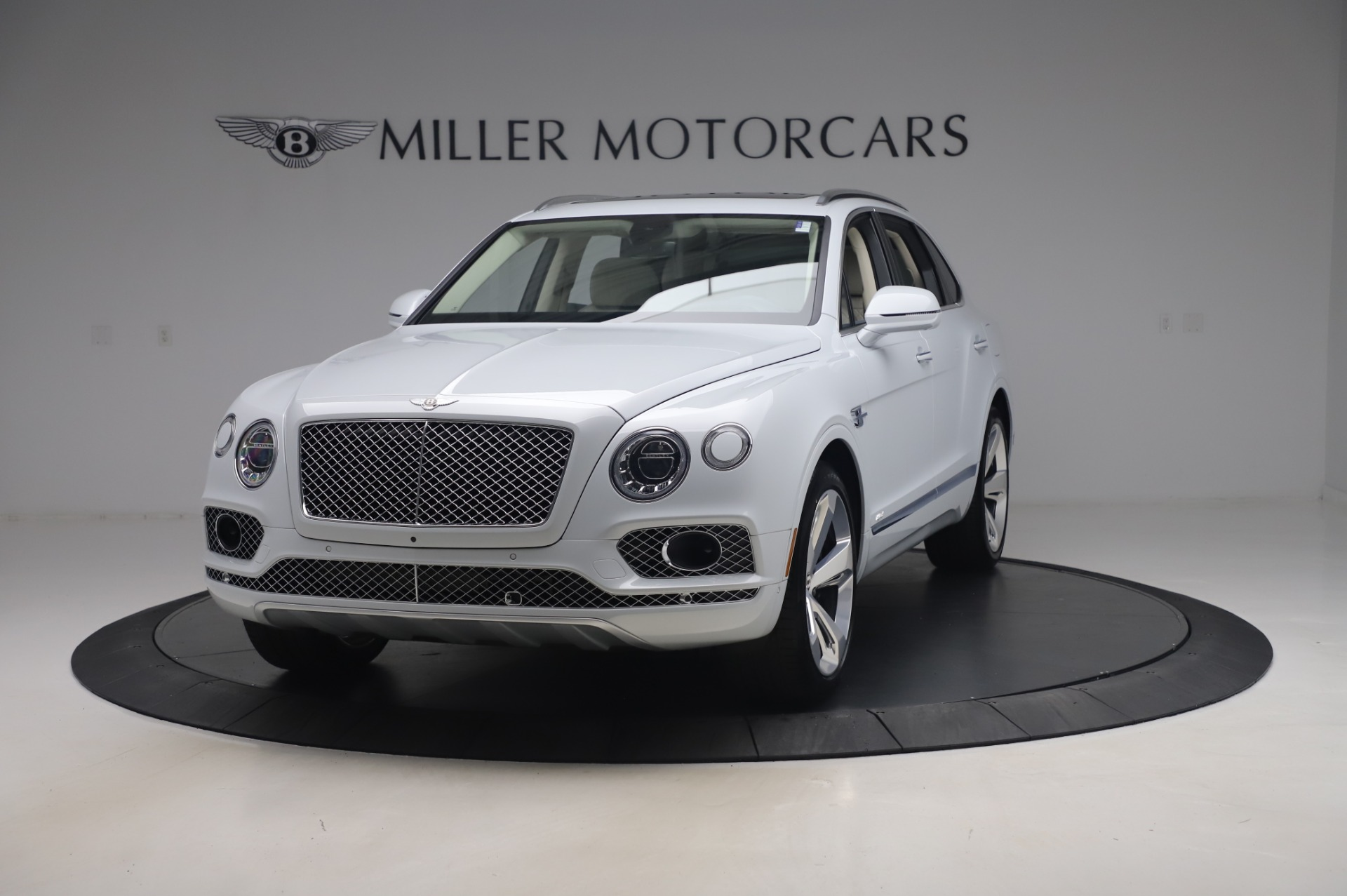 New 2020 Bentley Bentayga Hybrid for sale $226,695 at Bentley Greenwich in Greenwich CT 06830 1
