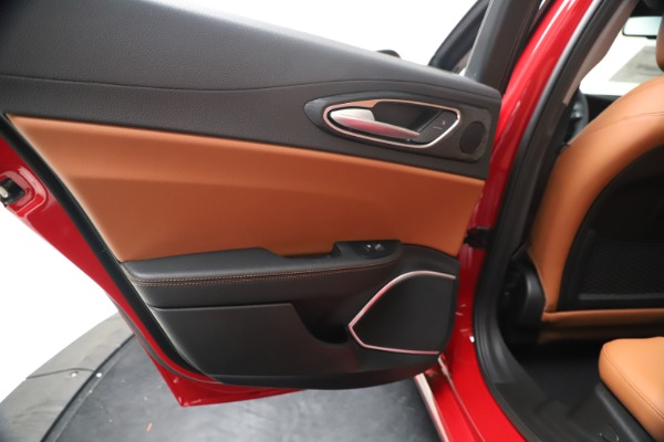 New 2020 Alfa Romeo Giulia Q4 for sale $47,245 at Bentley Greenwich in Greenwich CT 06830 21