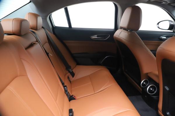 New 2020 Alfa Romeo Giulia Q4 for sale $47,245 at Bentley Greenwich in Greenwich CT 06830 27