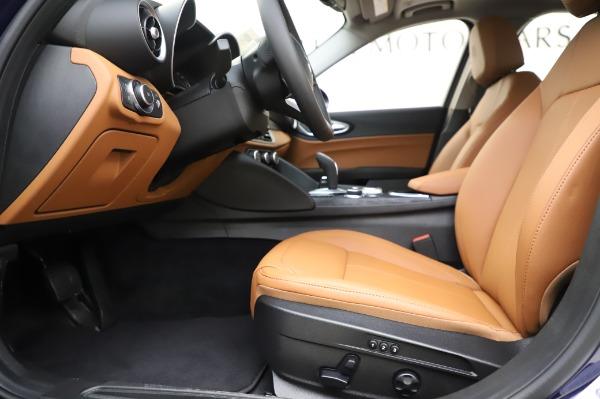 New 2020 Alfa Romeo Giulia Q4 for sale $42,845 at Bentley Greenwich in Greenwich CT 06830 13