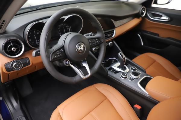 New 2020 Alfa Romeo Giulia Q4 for sale $42,845 at Bentley Greenwich in Greenwich CT 06830 14