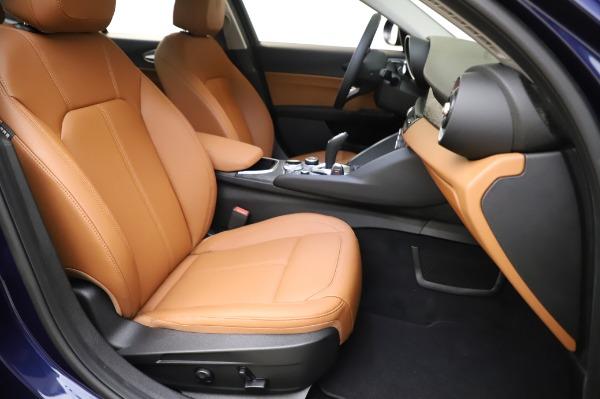New 2020 Alfa Romeo Giulia Q4 for sale $42,845 at Bentley Greenwich in Greenwich CT 06830 23