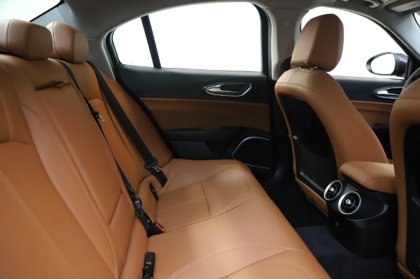 New 2020 Alfa Romeo Giulia Q4 for sale $42,845 at Bentley Greenwich in Greenwich CT 06830 26