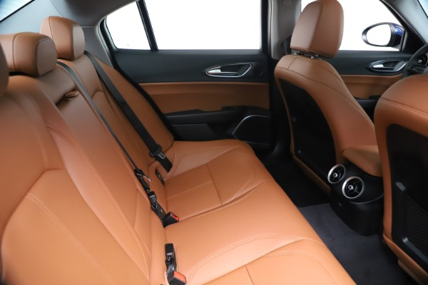 New 2020 Alfa Romeo Giulia Q4 for sale Sold at Bentley Greenwich in Greenwich CT 06830 27