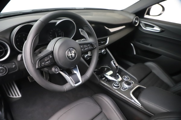 New 2020 Alfa Romeo Giulia Ti Sport Carbon Q4 for sale $51,640 at Bentley Greenwich in Greenwich CT 06830 13
