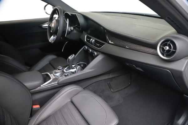 New 2020 Alfa Romeo Giulia Ti Sport Carbon Q4 for sale $51,640 at Bentley Greenwich in Greenwich CT 06830 21