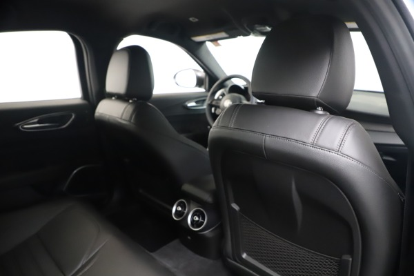New 2020 Alfa Romeo Giulia Ti Sport Carbon Q4 for sale $51,640 at Bentley Greenwich in Greenwich CT 06830 27