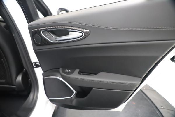 New 2020 Alfa Romeo Giulia Ti Sport Carbon Q4 for sale $51,640 at Bentley Greenwich in Greenwich CT 06830 28