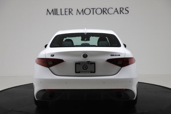 New 2020 Alfa Romeo Giulia Ti Sport Carbon Q4 for sale $51,640 at Bentley Greenwich in Greenwich CT 06830 6