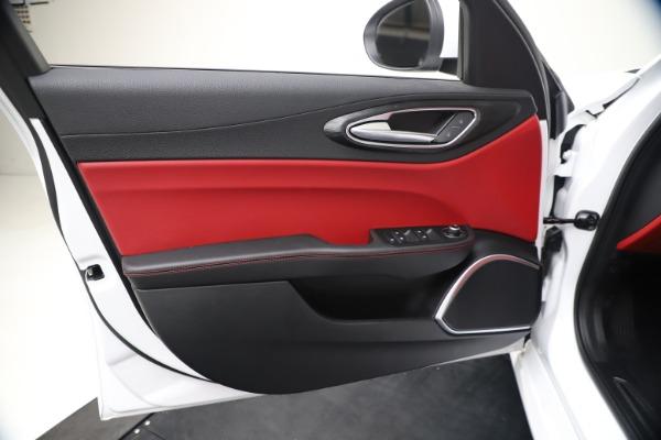 New 2020 Alfa Romeo Giulia Q4 for sale Sold at Bentley Greenwich in Greenwich CT 06830 17