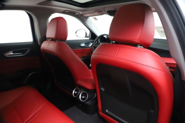 New 2020 Alfa Romeo Giulia Q4 for sale Sold at Bentley Greenwich in Greenwich CT 06830 28