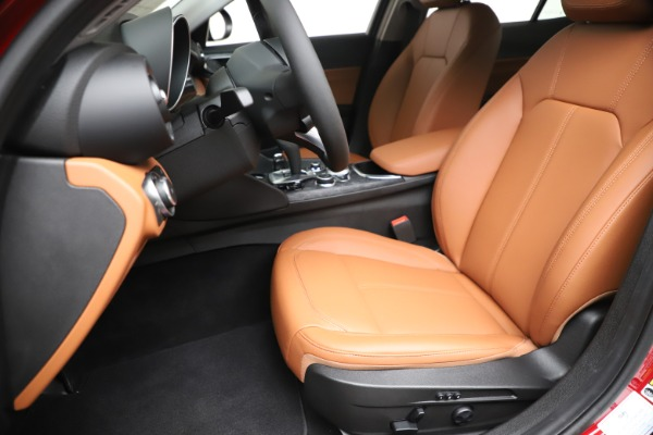 New 2020 Alfa Romeo Giulia Q4 for sale $44,845 at Bentley Greenwich in Greenwich CT 06830 15