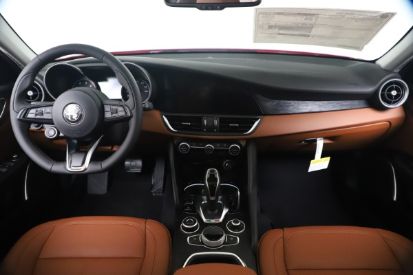 New 2020 Alfa Romeo Giulia Q4 for sale $44,845 at Bentley Greenwich in Greenwich CT 06830 16