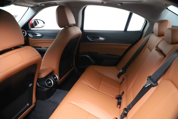New 2020 Alfa Romeo Giulia Q4 for sale $44,845 at Bentley Greenwich in Greenwich CT 06830 19