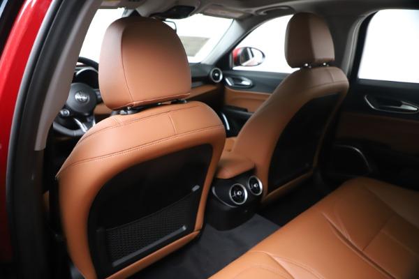 New 2020 Alfa Romeo Giulia Q4 for sale $44,845 at Bentley Greenwich in Greenwich CT 06830 20