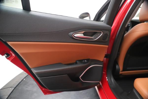 New 2020 Alfa Romeo Giulia Q4 for sale $44,845 at Bentley Greenwich in Greenwich CT 06830 21