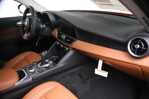 New 2020 Alfa Romeo Giulia Q4 for sale $44,845 at Bentley Greenwich in Greenwich CT 06830 22