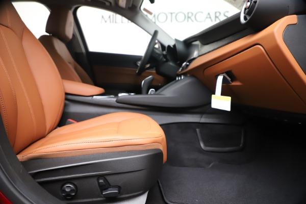 New 2020 Alfa Romeo Giulia Q4 for sale $44,845 at Bentley Greenwich in Greenwich CT 06830 23