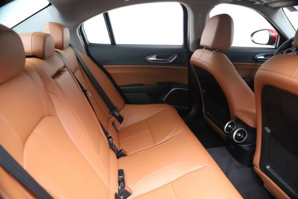 New 2020 Alfa Romeo Giulia Q4 for sale $44,845 at Bentley Greenwich in Greenwich CT 06830 27