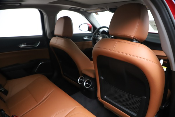 New 2020 Alfa Romeo Giulia Q4 for sale $44,845 at Bentley Greenwich in Greenwich CT 06830 28