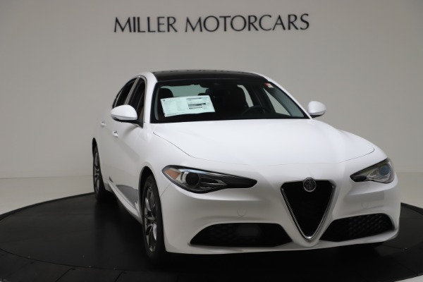 New 2020 Alfa Romeo Giulia Q4 for sale $44,845 at Bentley Greenwich in Greenwich CT 06830 11