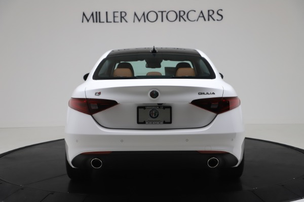 New 2020 Alfa Romeo Giulia Q4 for sale $44,845 at Bentley Greenwich in Greenwich CT 06830 6
