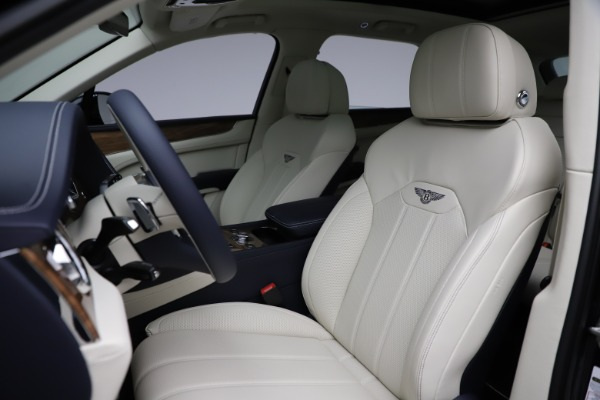 New 2021 Bentley Bentayga V8 for sale $205,540 at Bentley Greenwich in Greenwich CT 06830 21