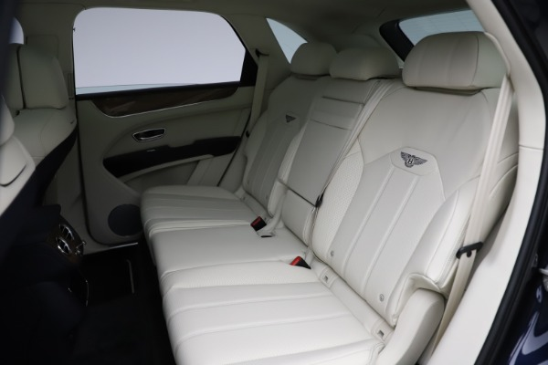 New 2021 Bentley Bentayga V8 for sale $205,540 at Bentley Greenwich in Greenwich CT 06830 25