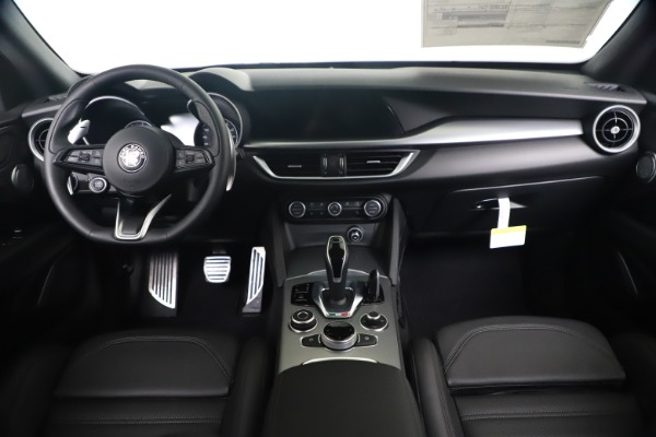 New 2020 Alfa Romeo Stelvio Ti Sport Q4 for sale $55,995 at Bentley Greenwich in Greenwich CT 06830 16