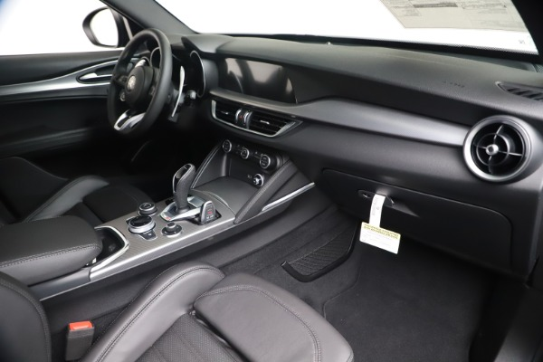 New 2020 Alfa Romeo Stelvio Ti Sport Q4 for sale $55,995 at Bentley Greenwich in Greenwich CT 06830 22