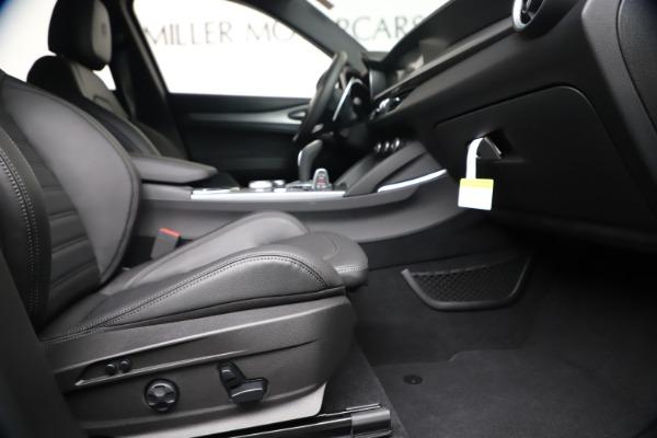 New 2020 Alfa Romeo Stelvio Ti Sport Q4 for sale $55,995 at Bentley Greenwich in Greenwich CT 06830 23