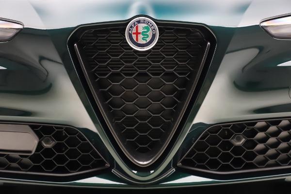 New 2020 Alfa Romeo Giulia Ti Q4 for sale $49,745 at Bentley Greenwich in Greenwich CT 06830 28