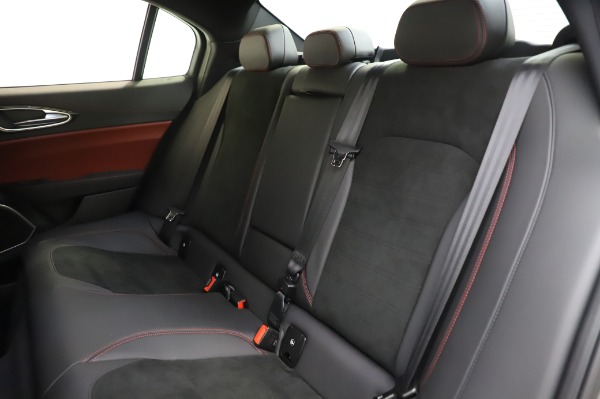 New 2020 Alfa Romeo Giulia Quadrifoglio for sale $87,445 at Bentley Greenwich in Greenwich CT 06830 17
