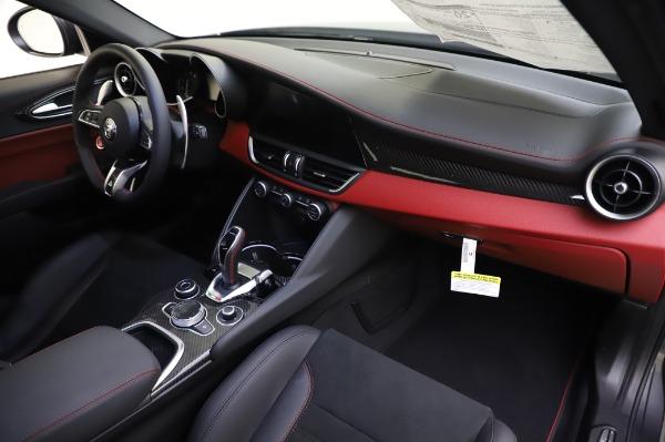 New 2020 Alfa Romeo Giulia Quadrifoglio for sale $87,445 at Bentley Greenwich in Greenwich CT 06830 23