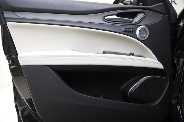 New 2020 Alfa Romeo Stelvio Ti Q4 for sale $50,895 at Bentley Greenwich in Greenwich CT 06830 16