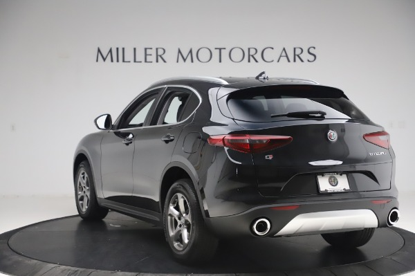 New 2020 Alfa Romeo Stelvio Q4 for sale $47,395 at Bentley Greenwich in Greenwich CT 06830 5