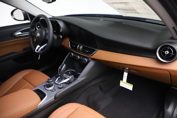 New 2020 Alfa Romeo Giulia Q4 for sale Sold at Bentley Greenwich in Greenwich CT 06830 24