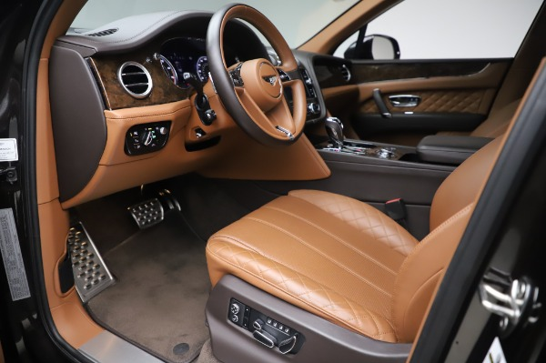 Used 2017 Bentley Bentayga W12 for sale $138,900 at Bentley Greenwich in Greenwich CT 06830 17