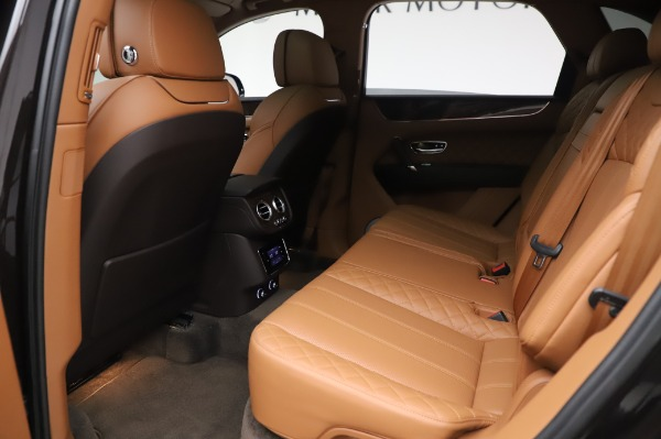Used 2017 Bentley Bentayga W12 for sale $138,900 at Bentley Greenwich in Greenwich CT 06830 20