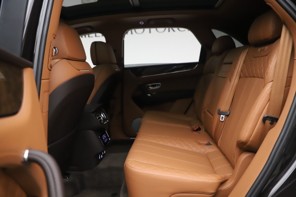 Used 2017 Bentley Bentayga W12 for sale $138,900 at Bentley Greenwich in Greenwich CT 06830 21