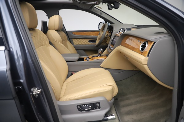 Used 2017 Bentley Bentayga W12 for sale Sold at Bentley Greenwich in Greenwich CT 06830 25