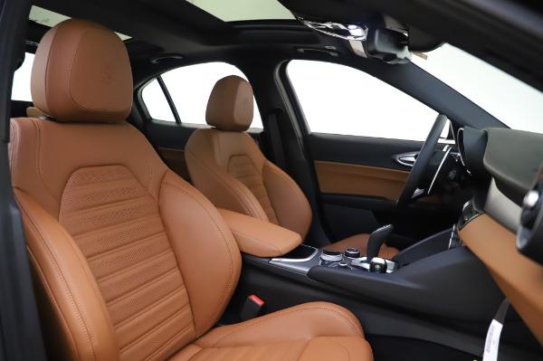 New 2020 Alfa Romeo Giulia Ti Sport Q4 for sale $51,495 at Bentley Greenwich in Greenwich CT 06830 22
