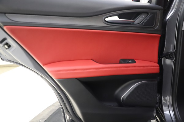 New 2020 Alfa Romeo Stelvio Ti Q4 for sale Sold at Bentley Greenwich in Greenwich CT 06830 24