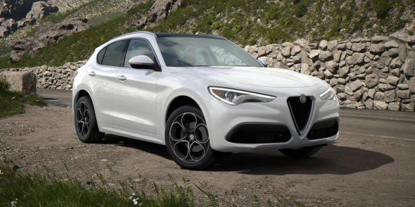New 2020 Alfa Romeo Stelvio Ti Lusso Q4 for sale $54,145 at Bentley Greenwich in Greenwich CT 06830 2