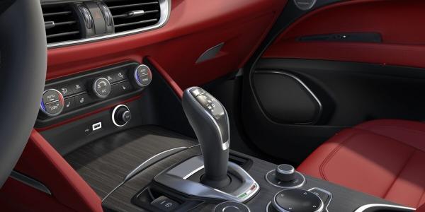 New 2020 Alfa Romeo Stelvio Ti Lusso Q4 for sale Sold at Bentley Greenwich in Greenwich CT 06830 5